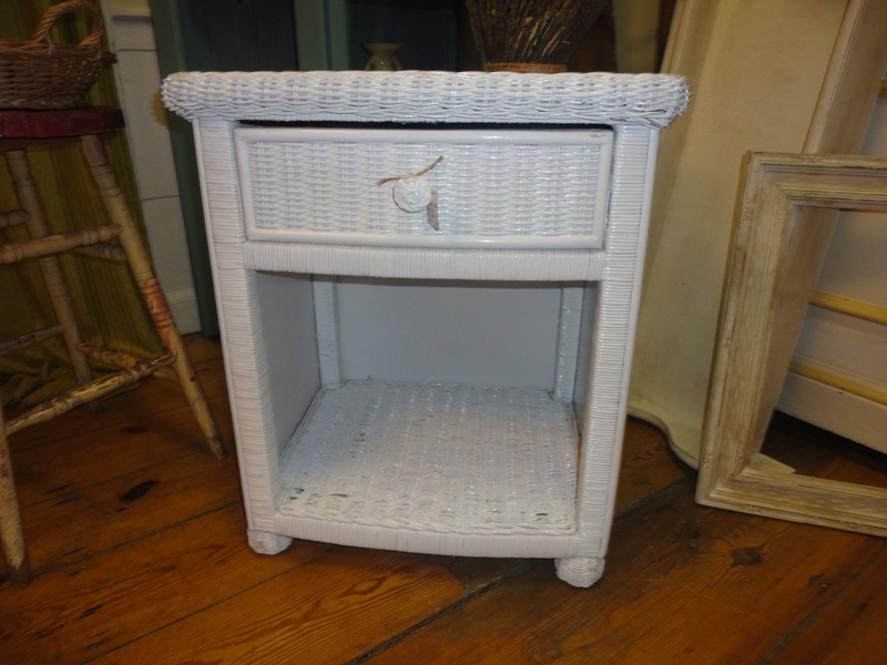White Wicker Side Table With Drawer